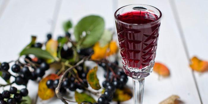 Siyah frenk üzümü şarabı. Tarifler, zaman testi