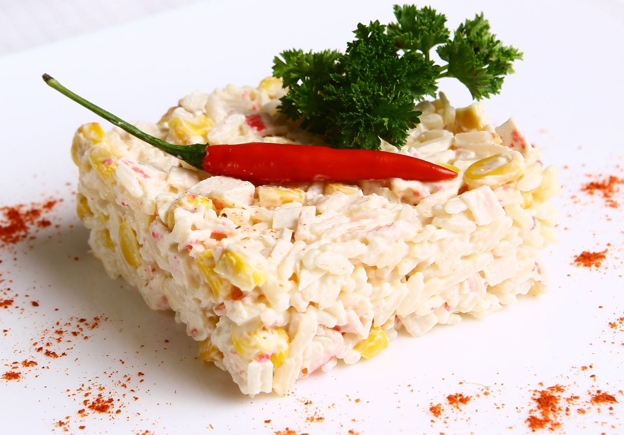 Yengeç çubuklu salata